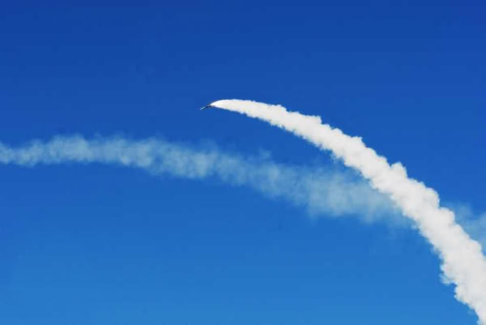 avion raketa