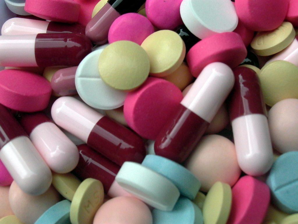 Expat-Health-Insurance-Antibiotic-Pills1