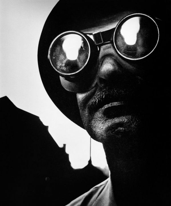 william-eugene-smith-steelworker-with-goggles-1955-1354277942_b